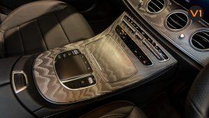 Mercedes-Benz E220d Saloon AMG Line Night Edition Premium Plus (FL2021) - Center Console Touchpad