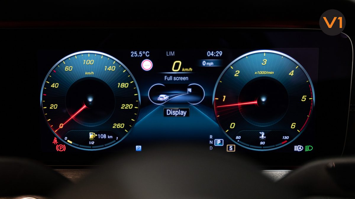 Mercedes-Benz E220d Saloon AMG Line Night Edition Premium Plus (FL2021) - Meter
