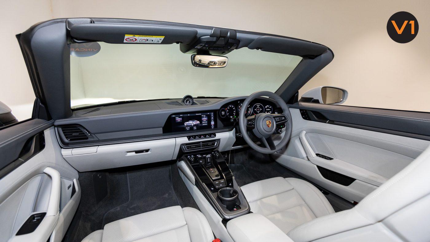 PORSCHE 911 CARRERA CABRIOLET (CRAYON) - Interior Dash