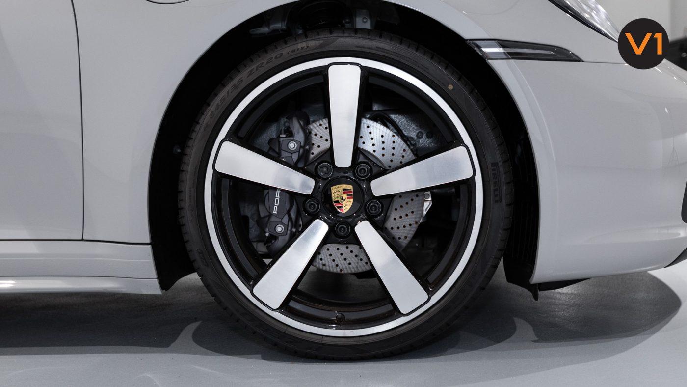 PORSCHE 911 CARRERA CABRIOLET (CRAYON) - Wheel