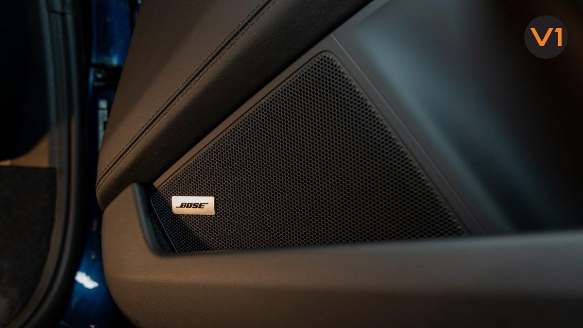 Porsche 911 Carrera Cabriolet - BOSE Surround Sound System
