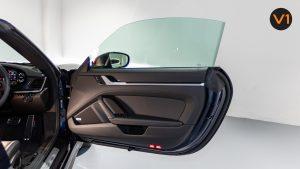 Porsche 911 Carrera Cabriolet - Front Door