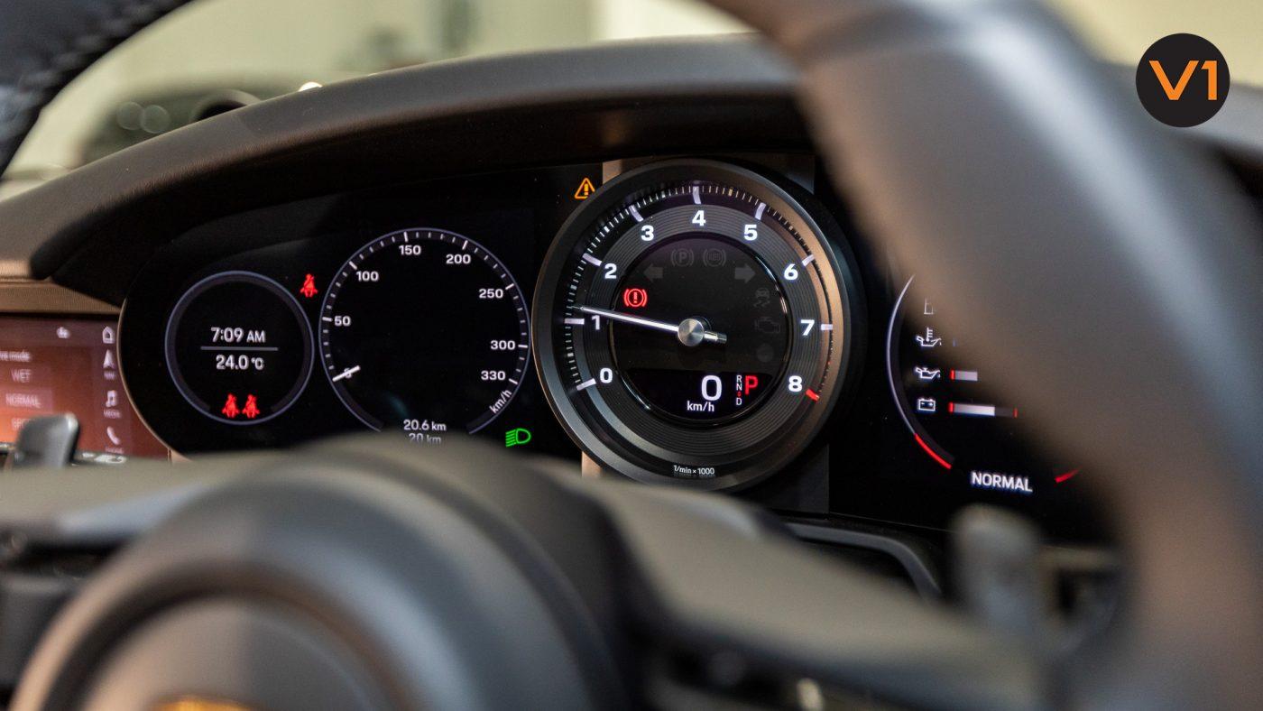 Porsche 911 Carrera Cabriolet - Meter 2