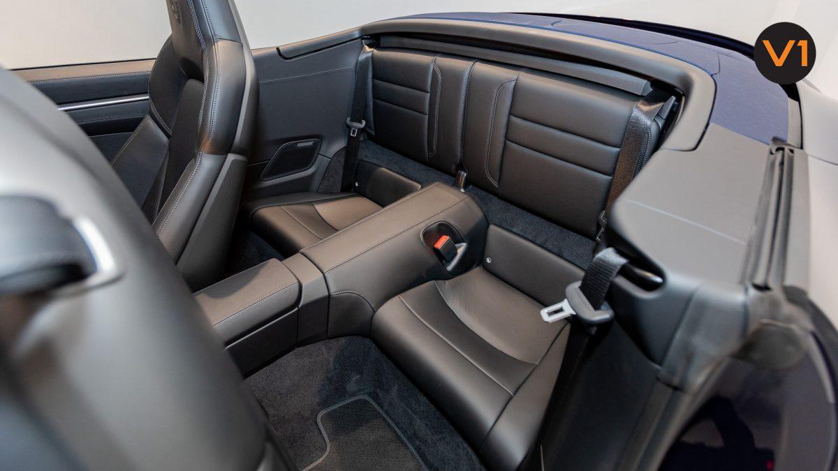Porsche 911 Carrera Cabriolet - Rear Seat