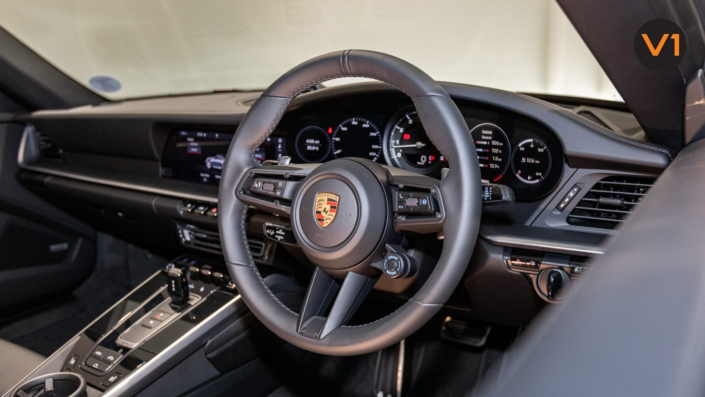 Porsche 911 Carrera Cabriolet - Steering Wheel