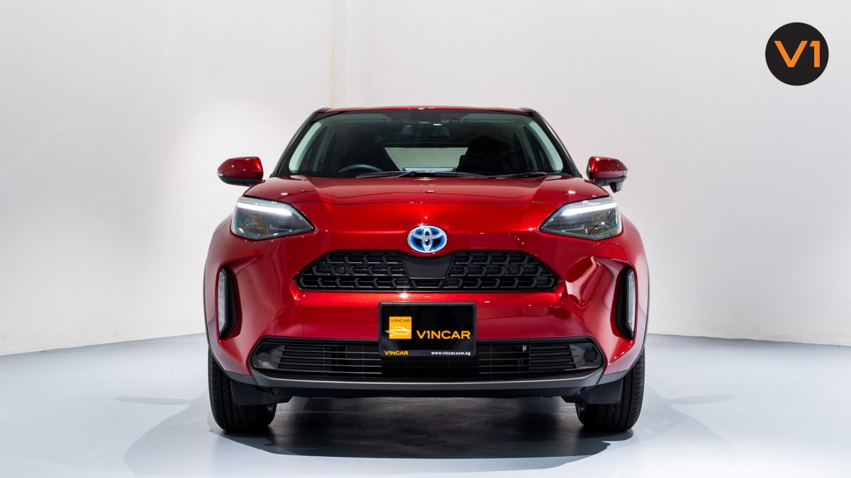 Toyota Yaris Cross X Hybrid - Front Direct