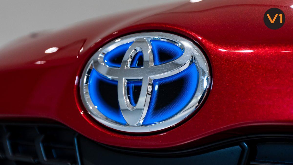 Toyota Yaris Cross X Hybrid - Toyota logo