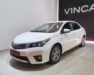 2015 Toyota Corolla Altis 1.6A Classic - Front Angle