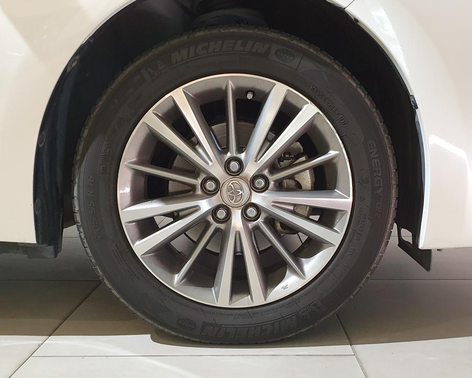 2015 Toyota Corolla Altis 1.6A Classic - Wheels