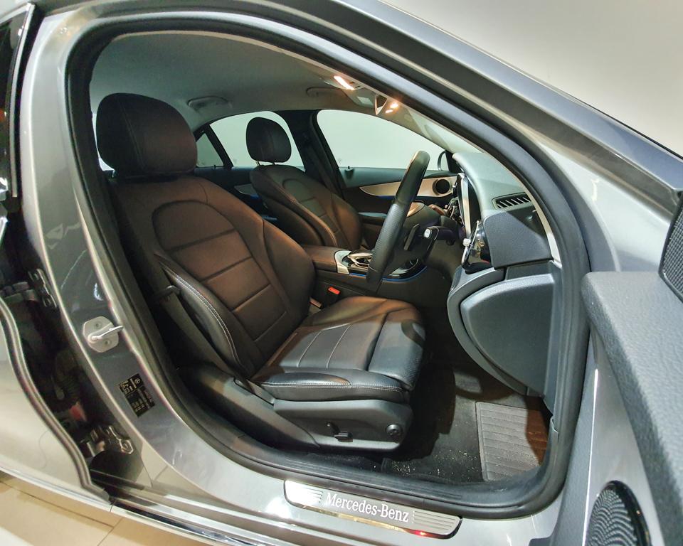 2016 Mercedes-Benz C-Class C180 Avantgarde - Driver Seat