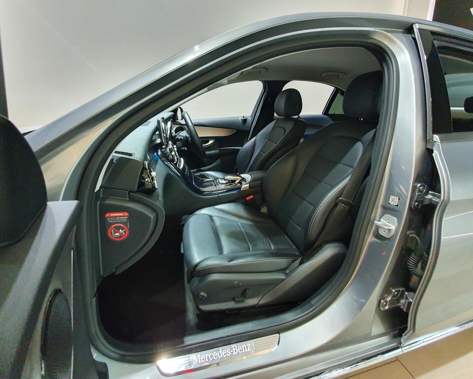 2016 Mercedes-Benz C-Class C180 Avantgarde - Front Passenger Seat