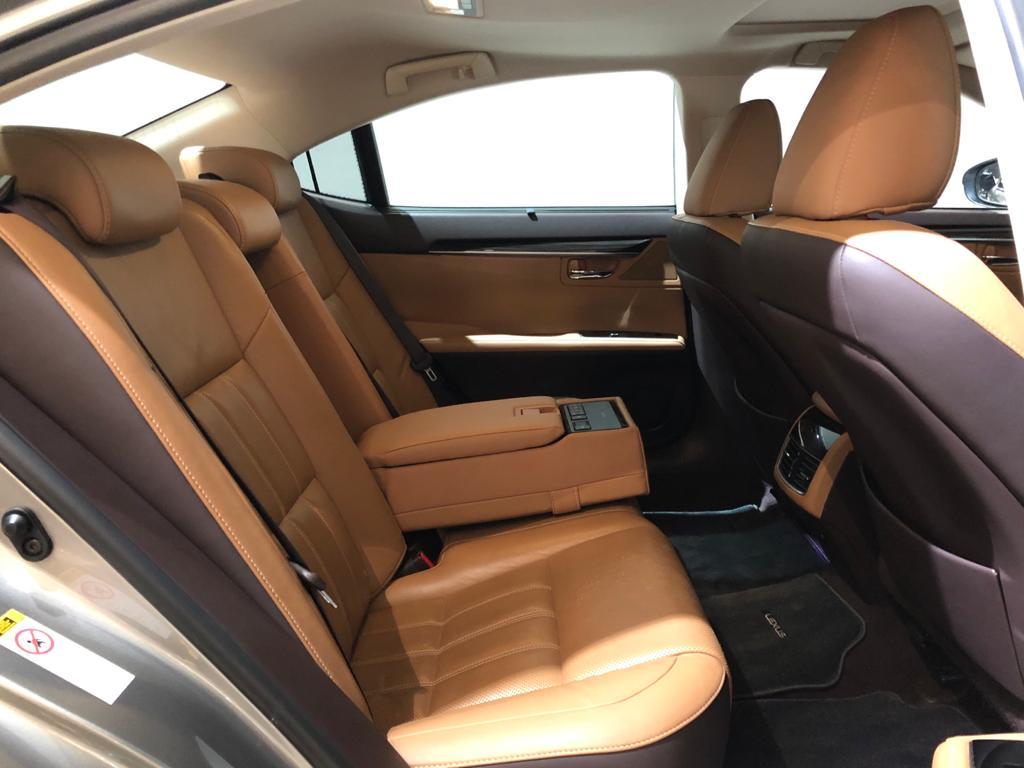 2017 Lexus ES Hybrid ES300h Luxury Sunroof - Passenger Seat