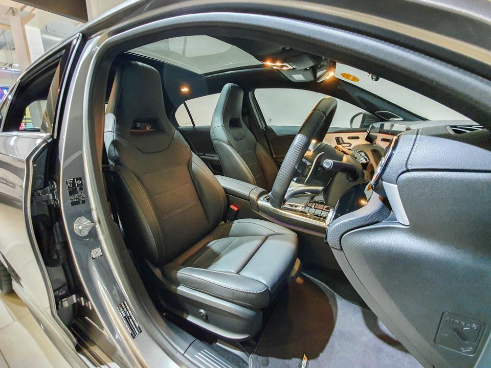 2020 Mercedes-Benz A-Class A35 AMG 4MATIC Premium Plus - Driver Seat