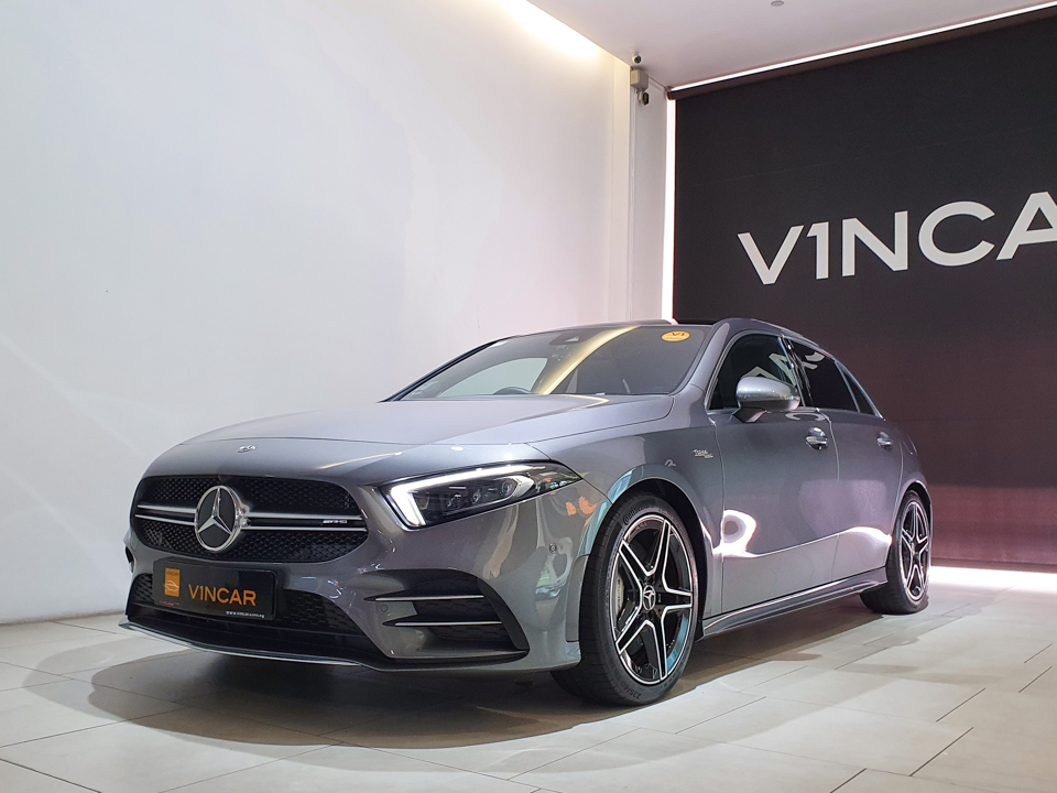 2020 Mercedes-Benz A-Class A35 AMG 4MATIC Premium Plus - Front Angle