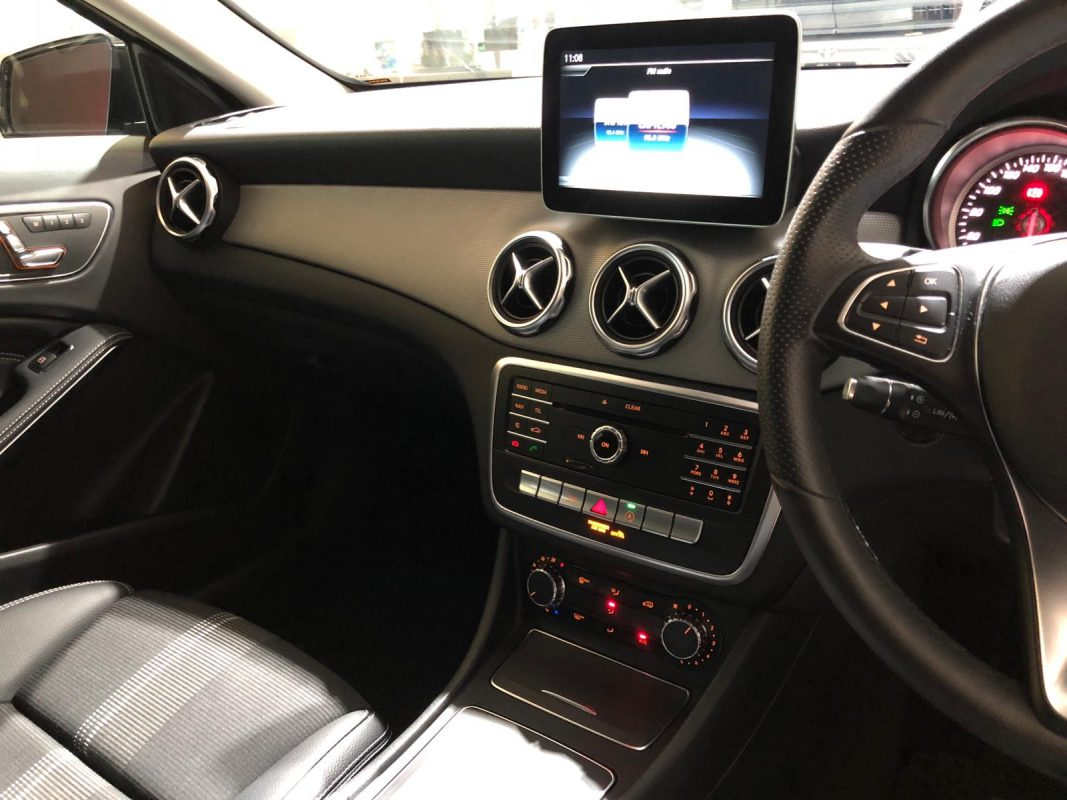2020 Mercedes-Benz GLA180 Urban Edition - Infotainment