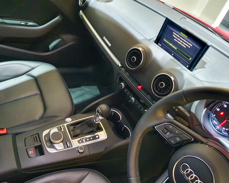 Audi A3 Saloon - Center Console