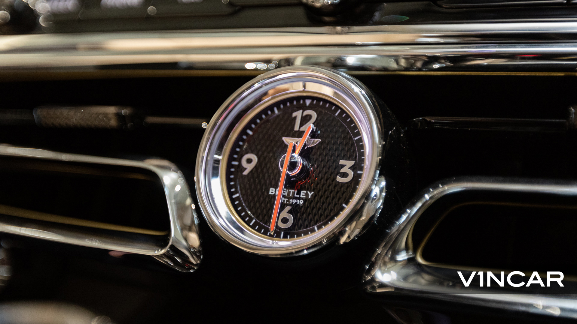 Bentley Flying Spur First Edition W12 - Bentley Analogue Clock