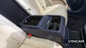Bentley Flying Spur First Edition W12 - Storage and Cupholders