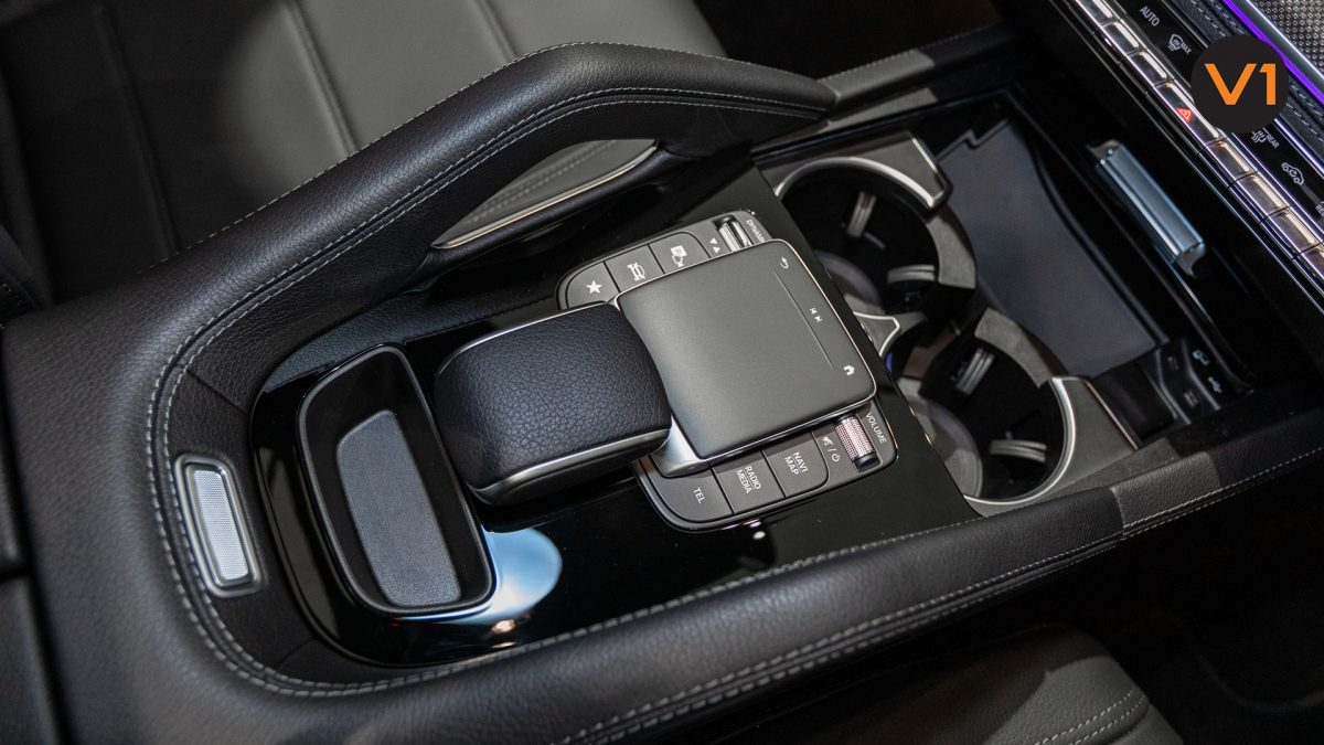 MERCEDES-BENZ GLE450 AMG 4MATIC LUXURY - Center Console