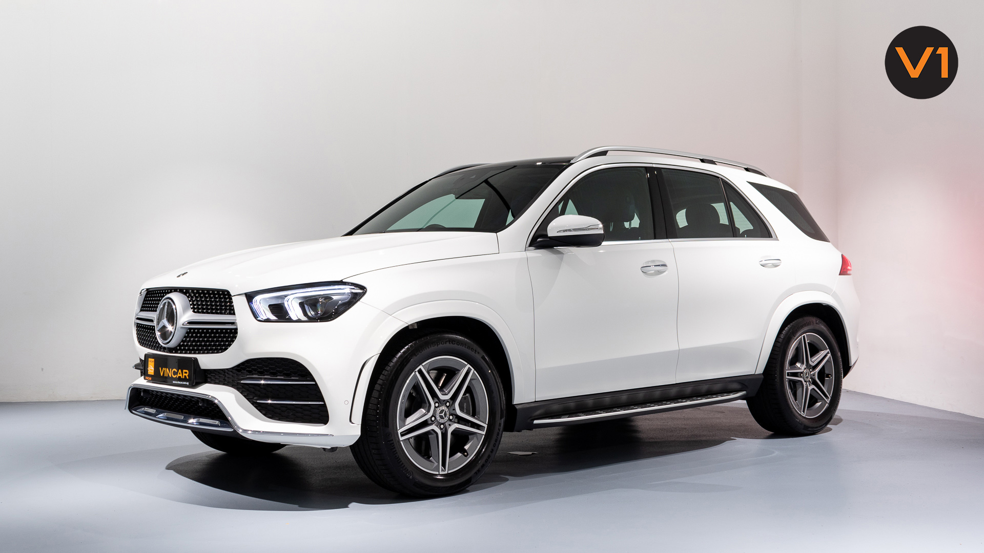 MERCEDES-BENZ GLE450 AMG 4MATIC LUXURY - Front Angle