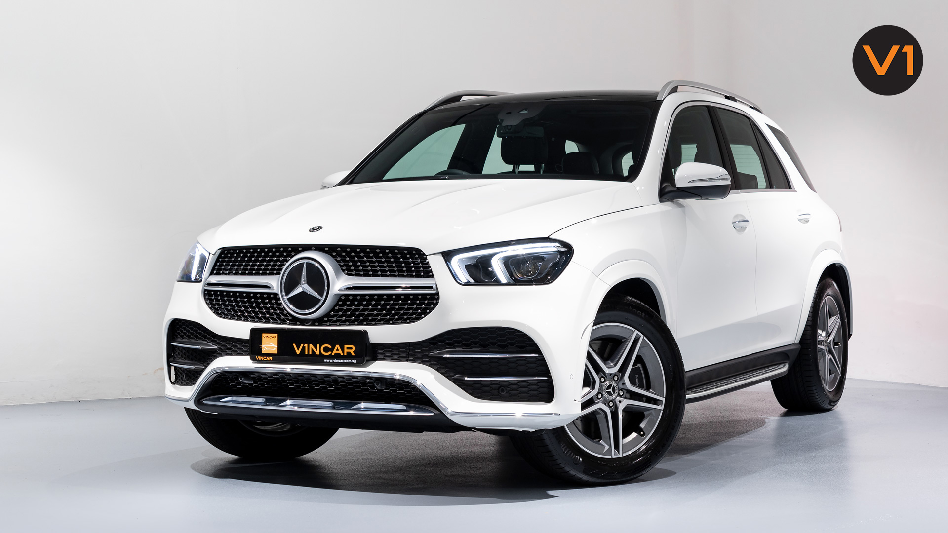 MERCEDES-BENZ GLE450 AMG 4MATIC LUXURY - Front Lower Angle