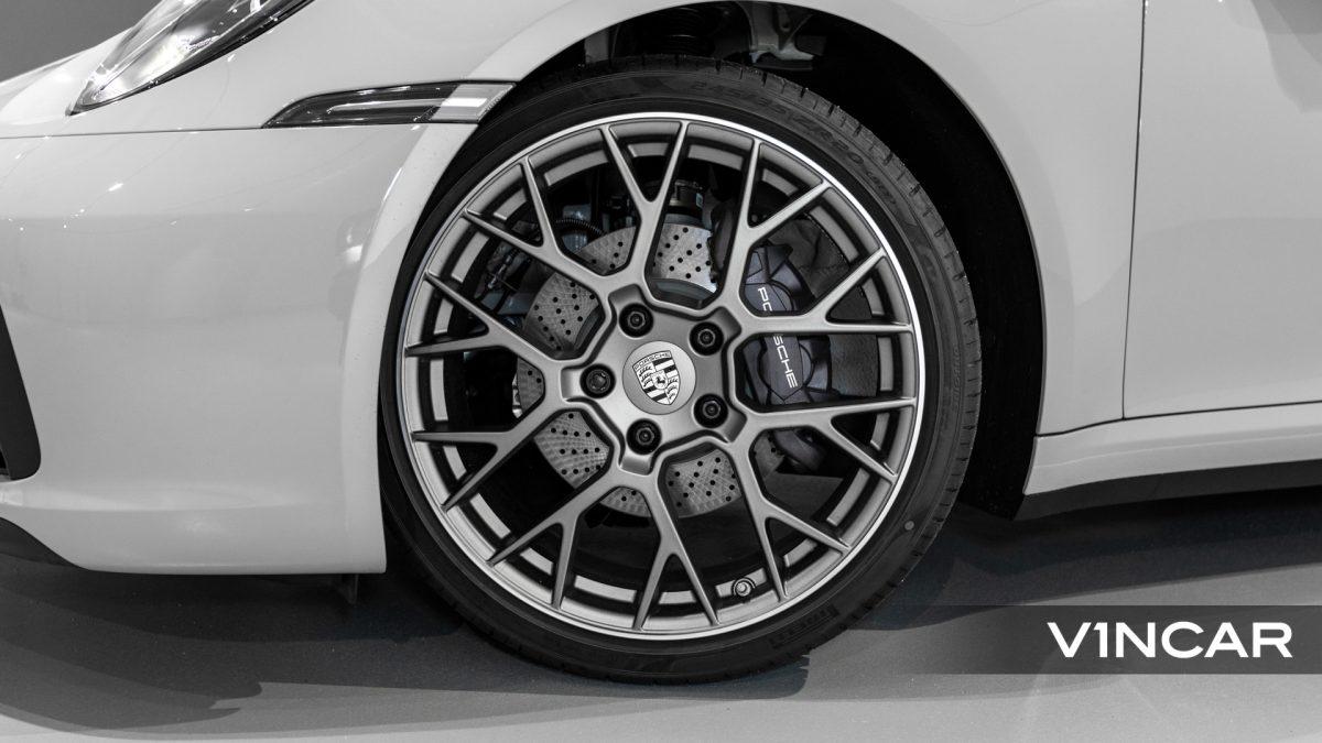 PORSCHE 911 CARRERA (CRAYON)-RS Spyder Design Wheels