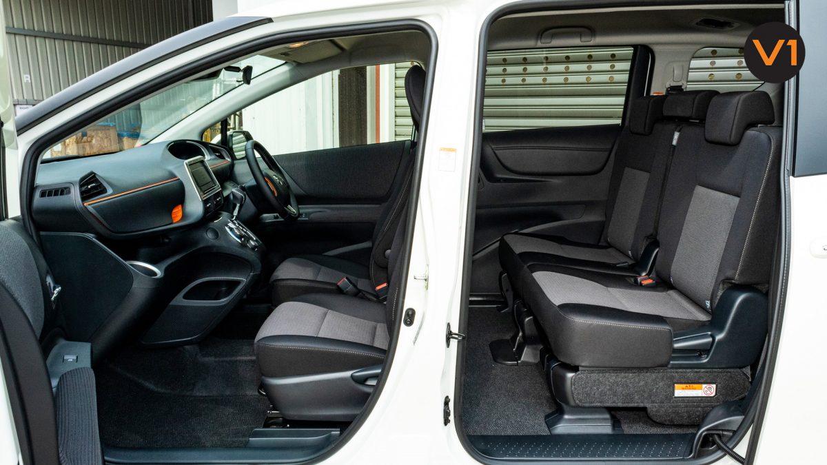 Toyota Sienta 1.5G Hybrid (New Facelift) - Passenger Seats