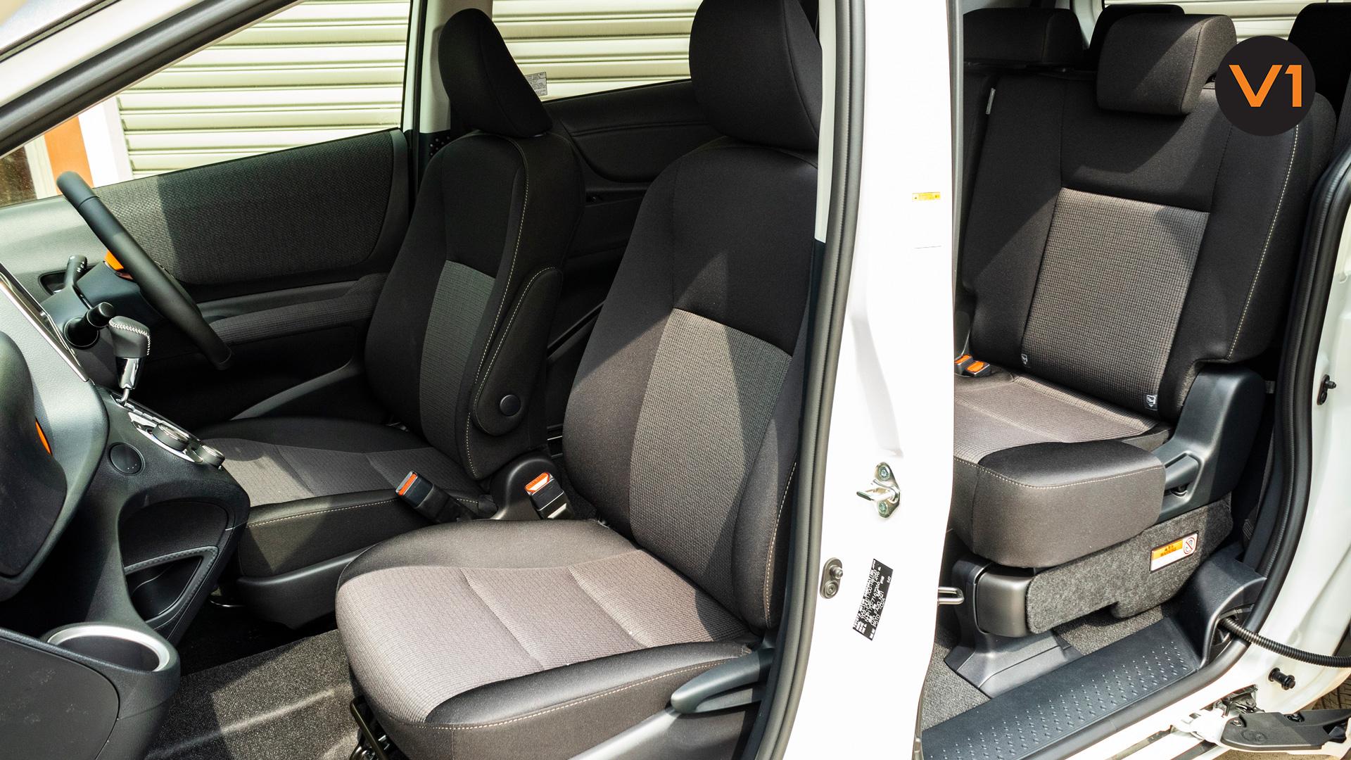 Toyota Sienta 1.5G Hybrid (New Facelift) - Passenger Seats 2