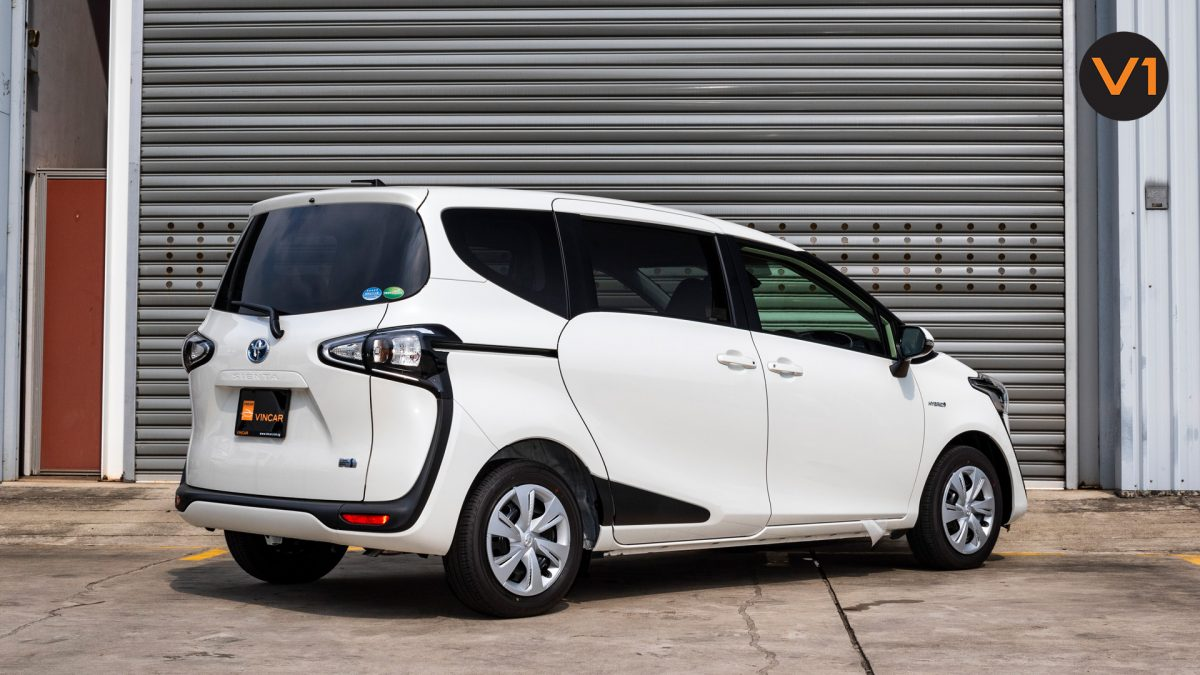 Toyota Sienta 1.5G Hybrid (New Facelift) - Rear Angle 4