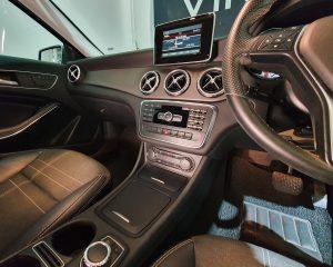 2016 Mercedes-Benz GLA-Class GLA180 - Center Console