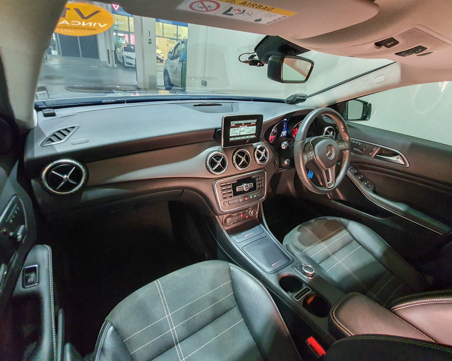 2016 Mercedes-Benz GLA-Class GLA180 - Interior Dash