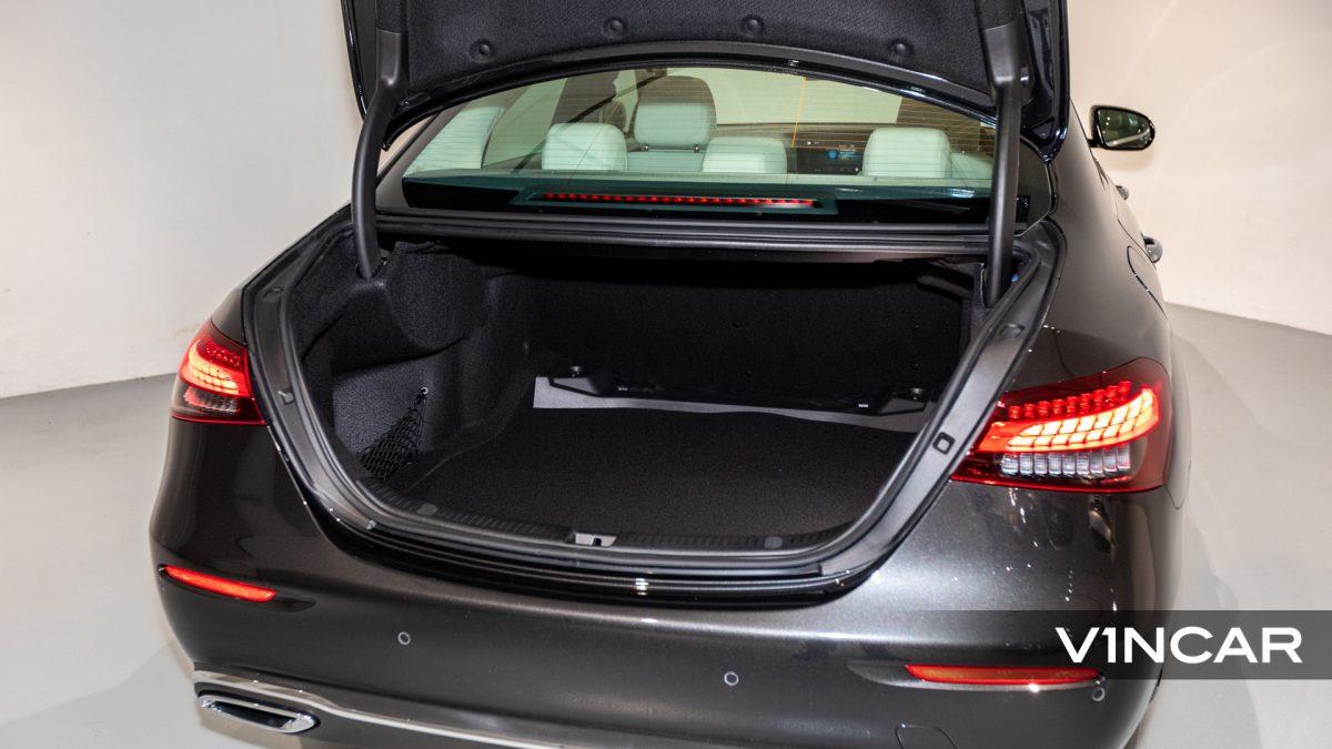 Mercedes-Benz E200 Saloon Exclusive (FL2021) - Boot Space