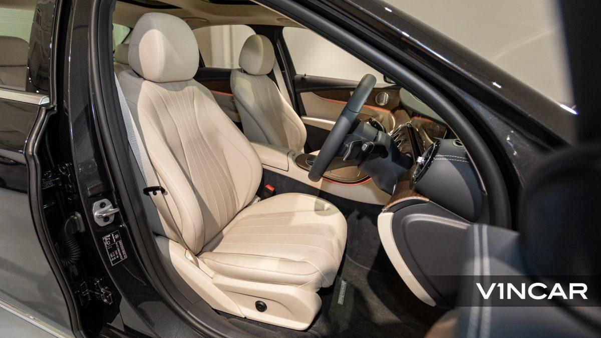 Mercedes-Benz E200 Saloon Exclusive (FL2021) - Driver Seat