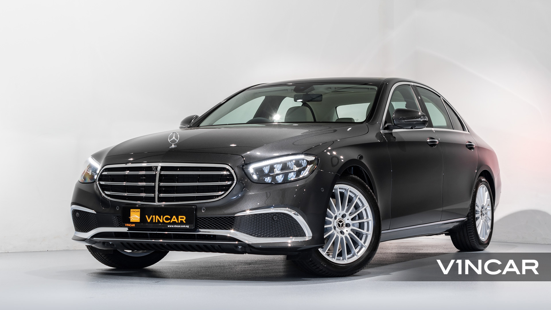Mercedes-Benz E200 Saloon Exclusive (FL2021) - Front Angle