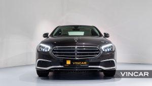 Mercedes-Benz E200 Saloon Exclusive (FL2021) - Front Direct