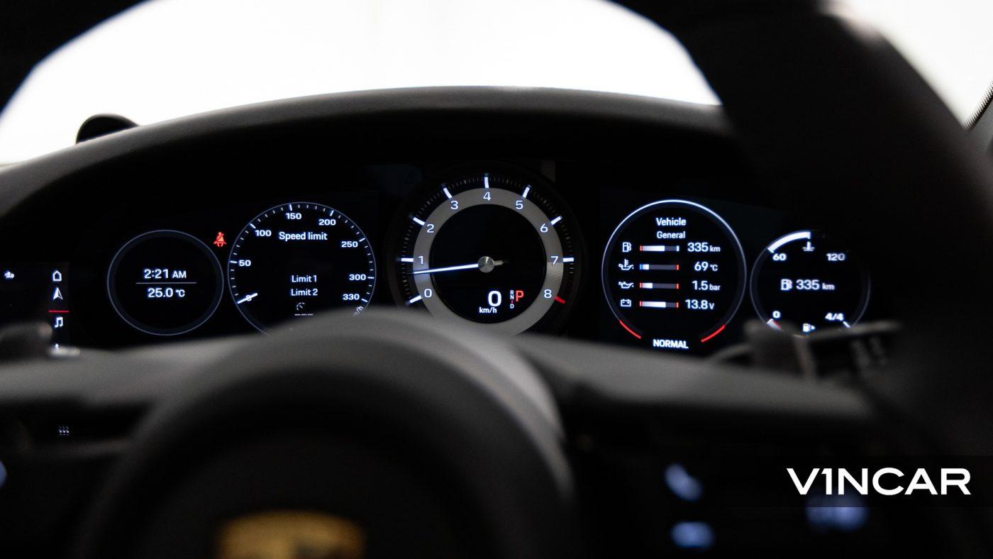 Porsche 911 Carrera (GT Silver Metallic) - Digital Gauge