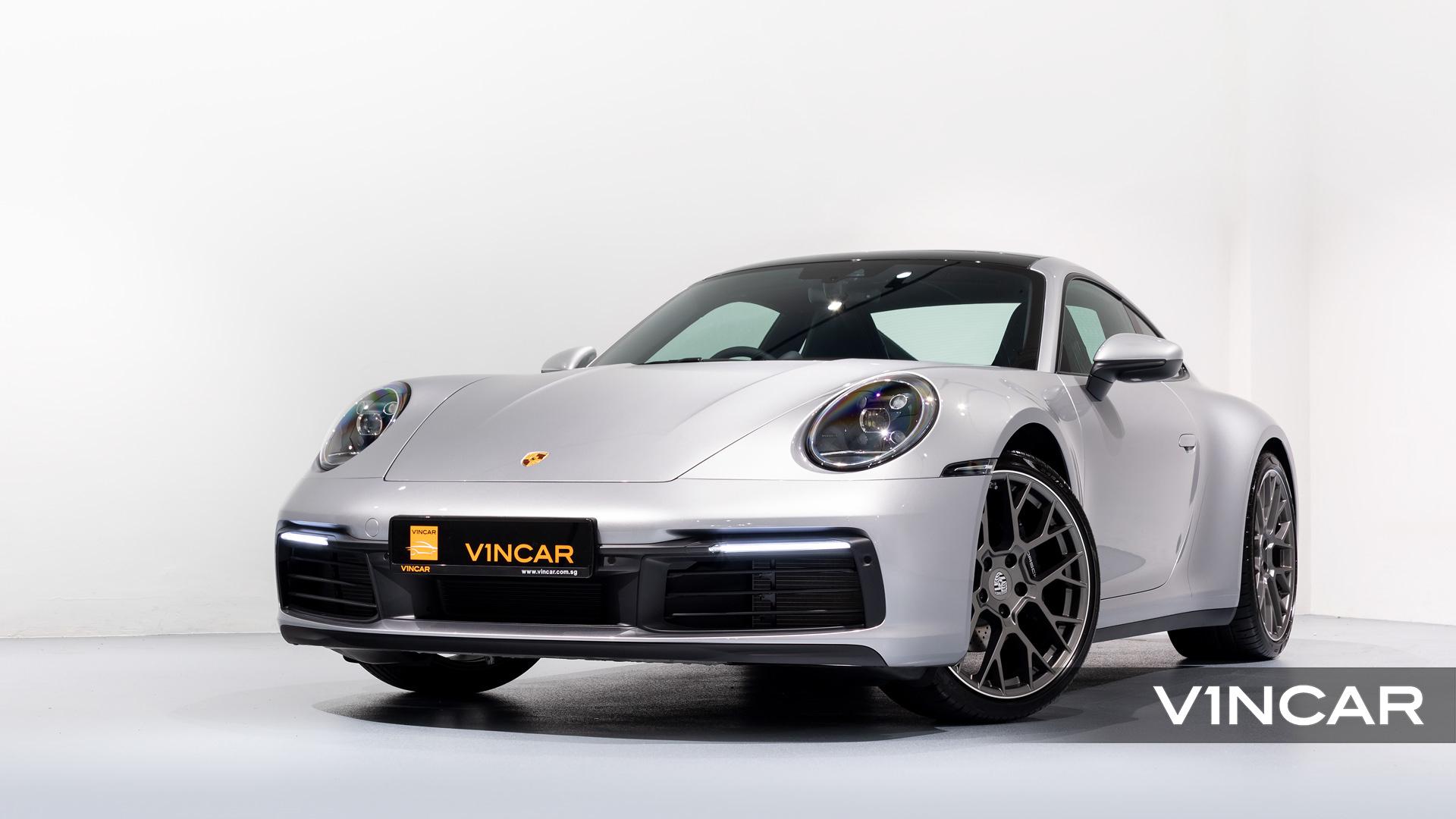 Porsche 911 Carrera (GT Silver Metallic) - Front Angle