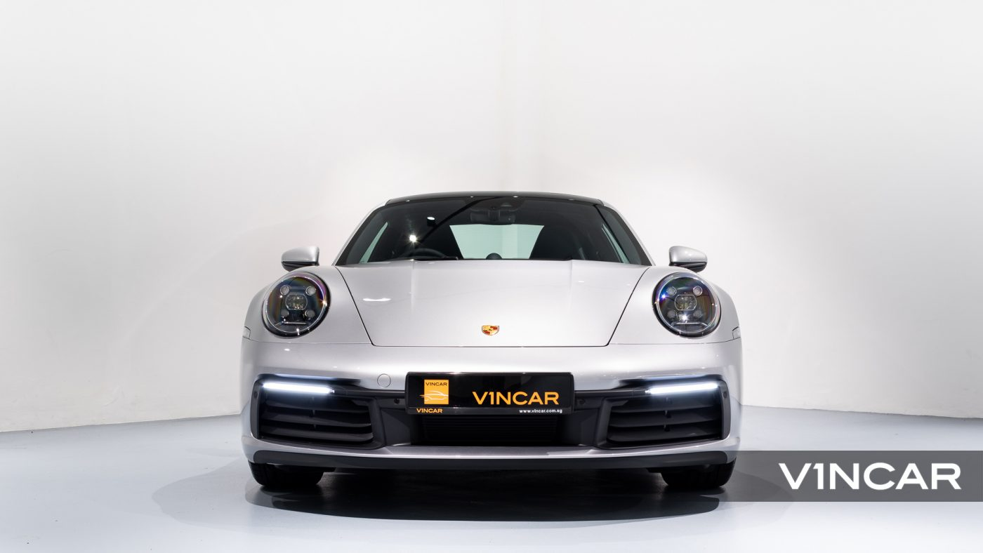 Porsche 911 Carrera (GT Silver Metallic) - Front Direct