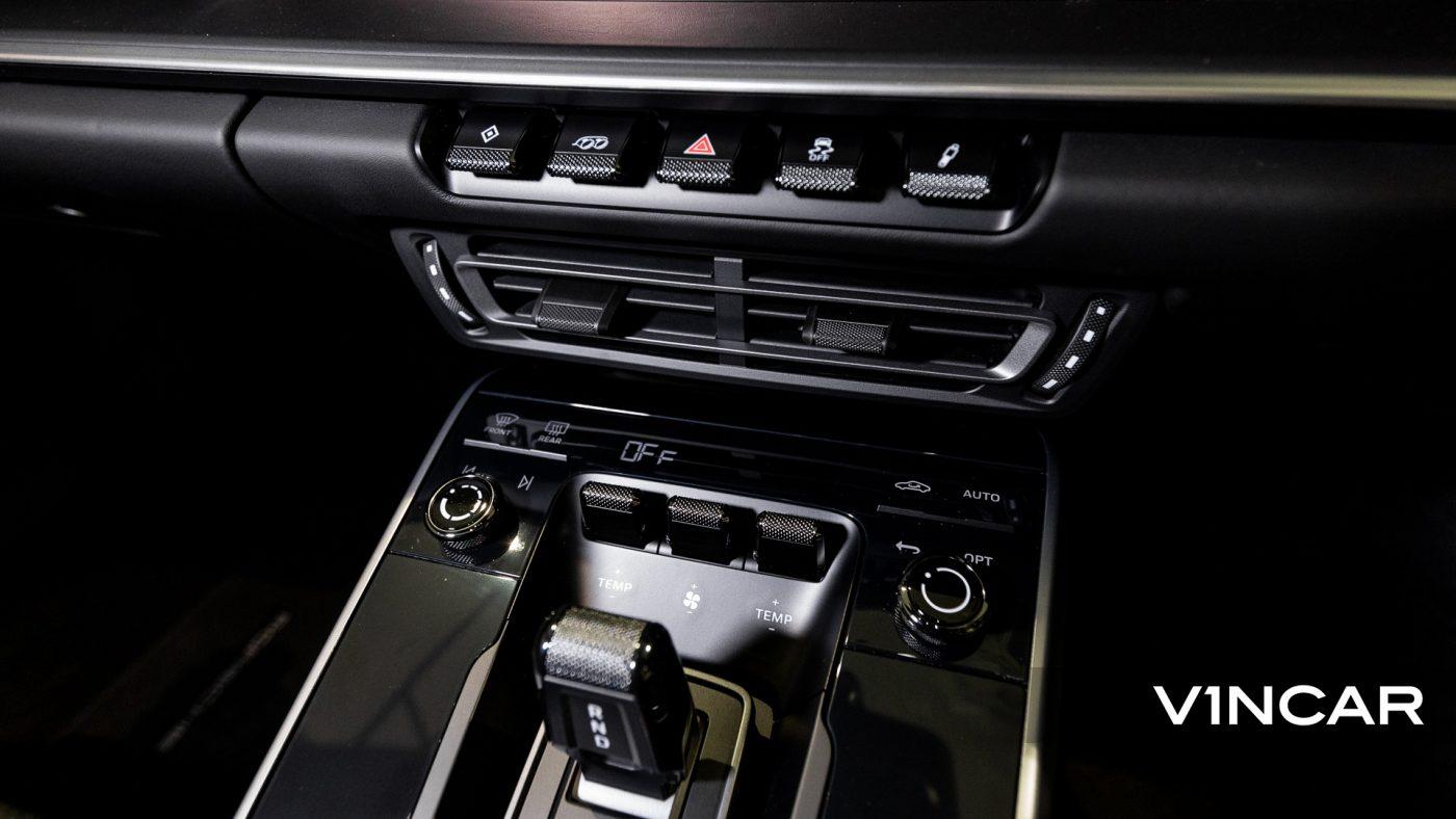 Porsche 911 Carrera (GT Silver Metallic) - HVAC System