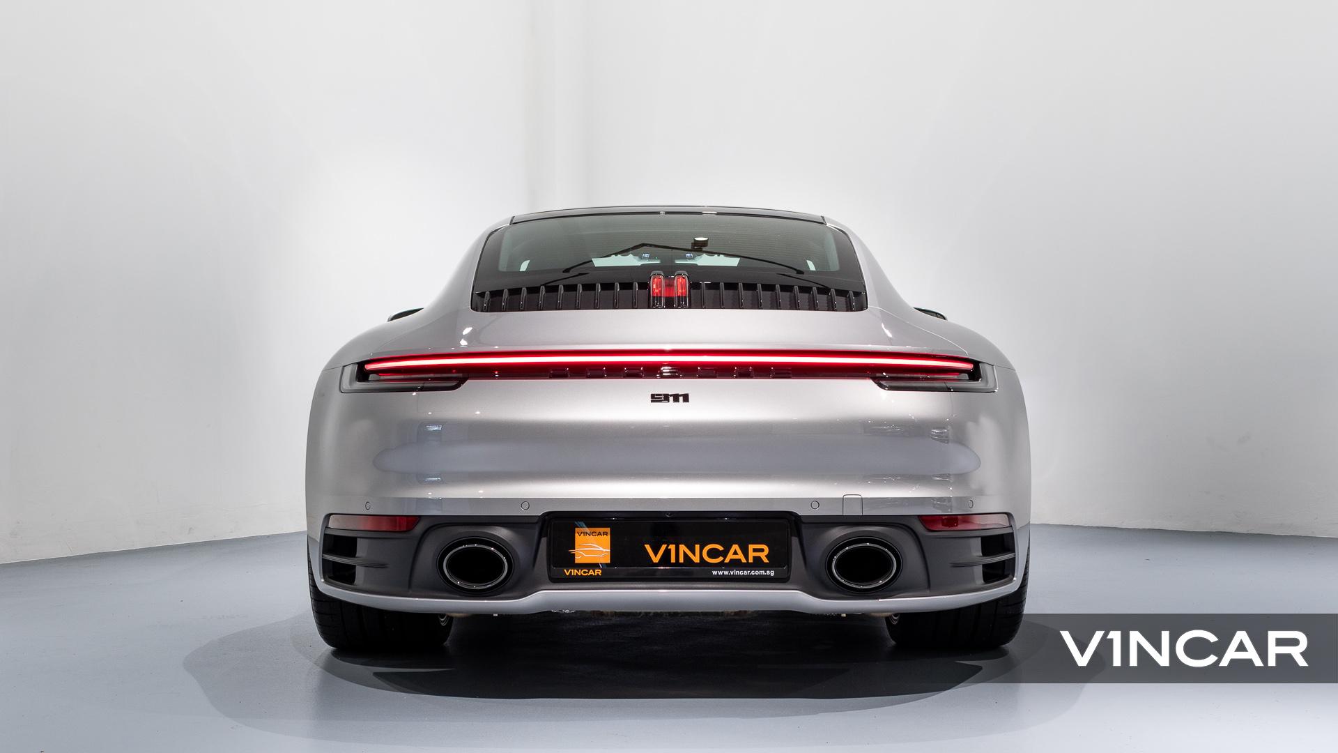 Porsche 911 Carrera (GT Silver Metallic) - Rear Direct