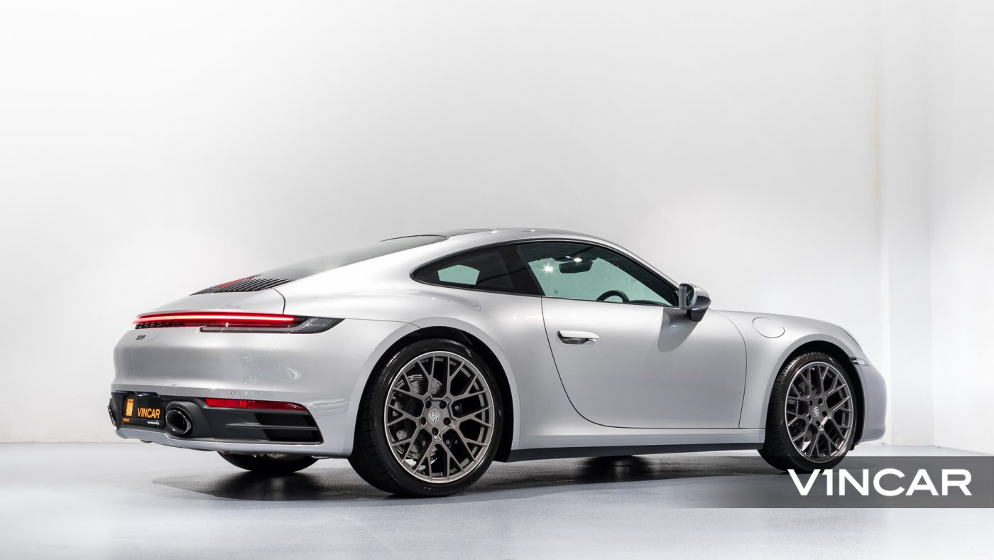 Porsche 911 Carrera (GT Silver Metallic) - Rear Side Profile