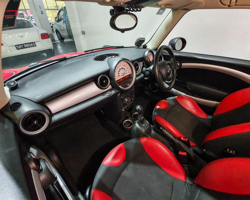 2011 MINI One 1.6A (New 10-yr COE) - Interior Dash