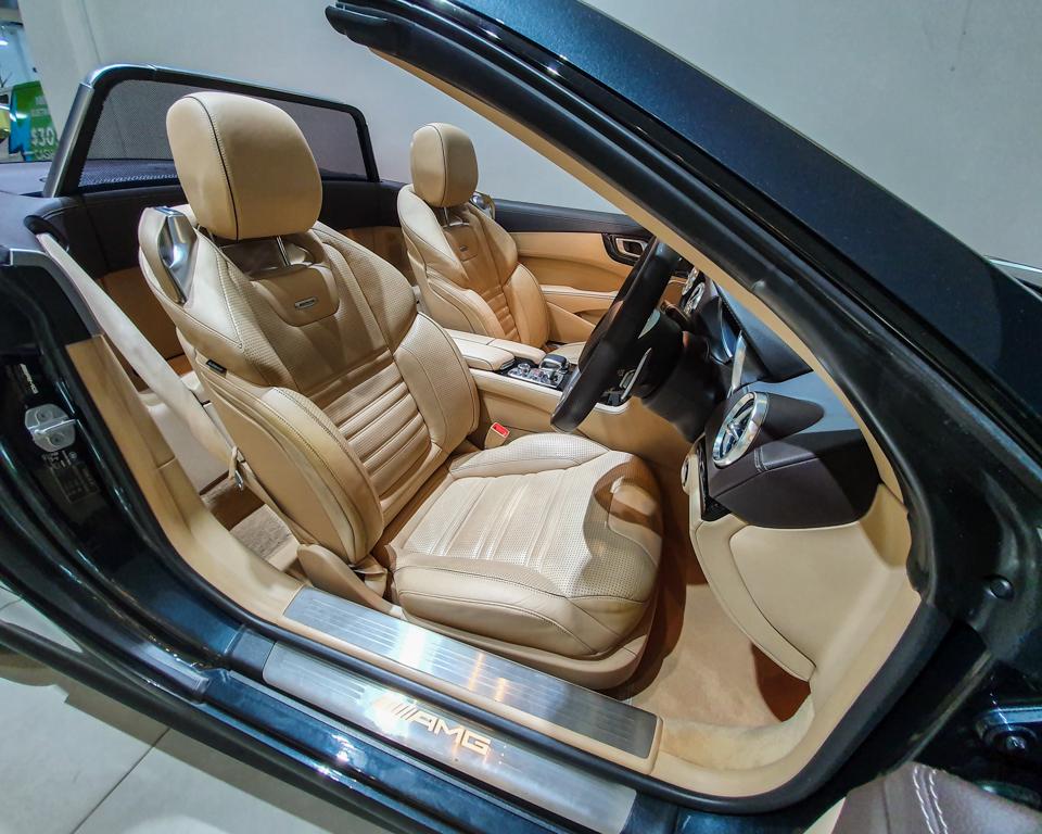2013 Mercedes-Benz SL-Class SL63 AMG - Driver Seat
