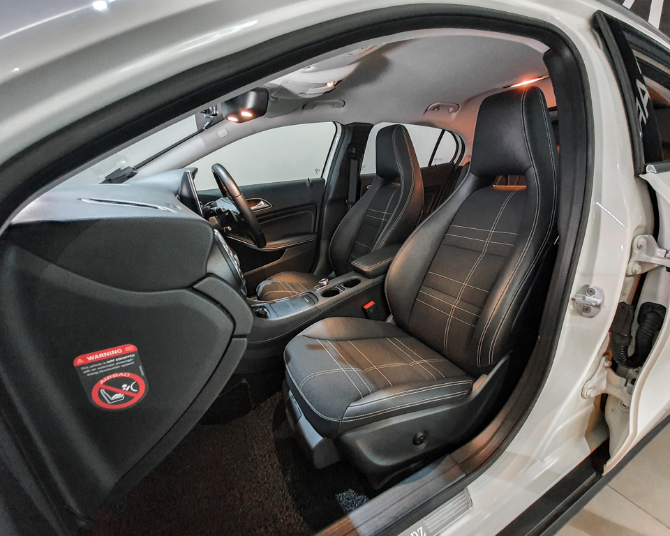 2014 Mercedes-Benz GLA-Class GLA200 Urban Edition - Front Passenger_s Seat