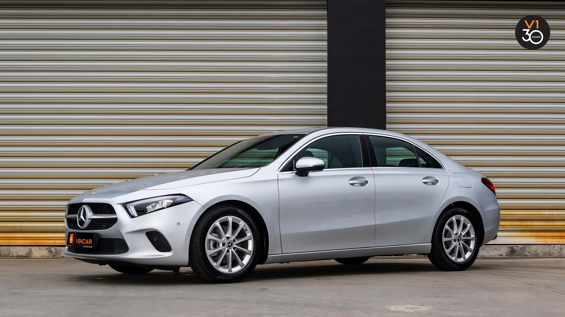 Mercedes-Benz-A200-Saloon-Sport-Premium-Side Profile