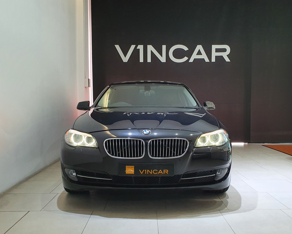 2012 BMW 5 Series 520i (New 10-yr COE) - Front Direct
