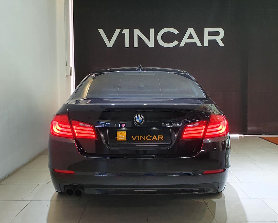 2012 BMW 5 Series 520i (New 10-yr COE) - Rear Direct
