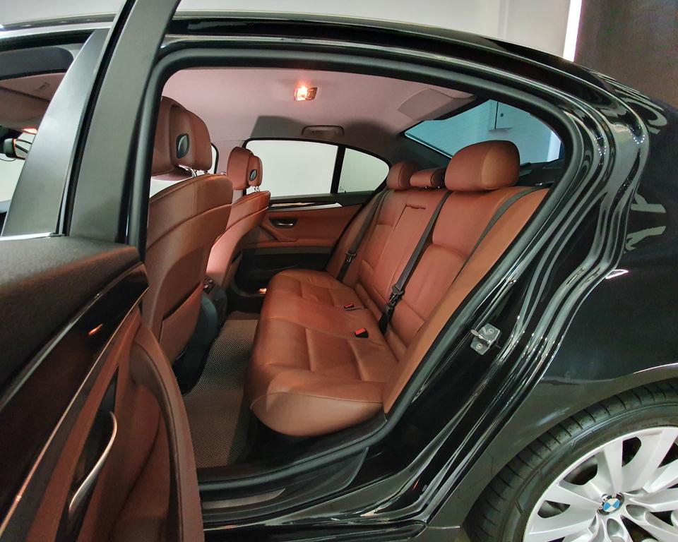 2012 BMW 5 Series 520i (New 10-yr COE) - Rear Passenger Seat
