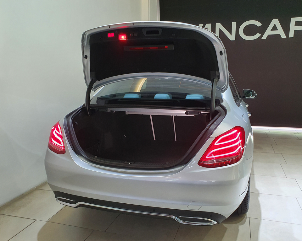 2014 Mercedes-Benz C-Class C180 Exclusive - Boot Space