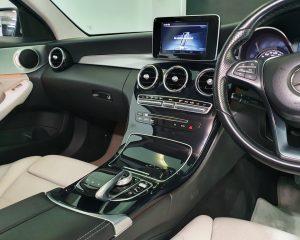 2014 Mercedes-Benz C-Class C180 Exclusive - Center Console